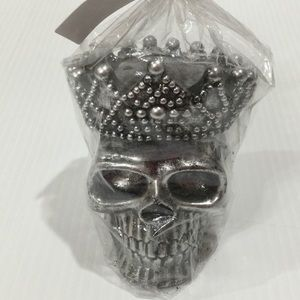 Skull Wearing Crown UNscented Candle Silver NWT
